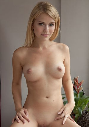 Young Blonde Pics