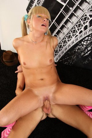 Blonde Cowgirl Pics