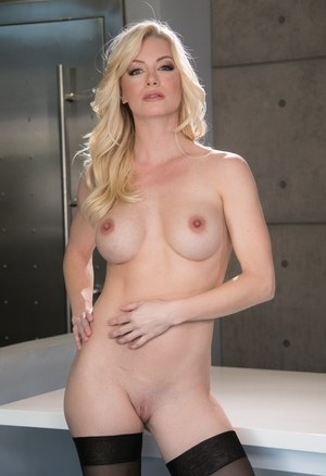 Shaved Blonde Pussy Pics